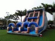 K2  Cliffhanger Slide 33 Ft Tall